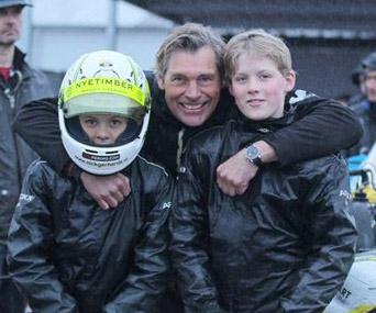 Sterk optreden tweeling Tim en Nick Gerhards tijdens BNL Kick-Off: podium en knappe inhaalrace in Genk!